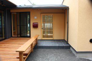堀座卓のある蔵風の家